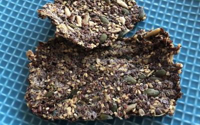 Zo maak je gezonde en knapperige crackers zelf! Zonder Gluten en Zuivel.